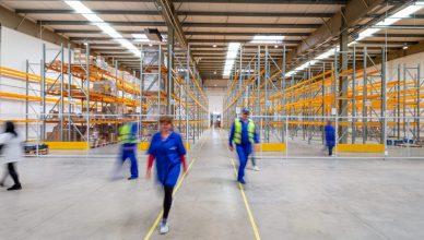 Jak zapewnić bezpieczeństwo swoim pracownikom w zakładzie przemysłowym?